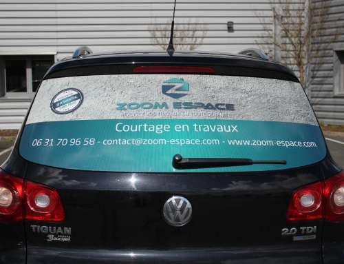 Impression et pose d'adhésif microperforé sur véhicule à Angers