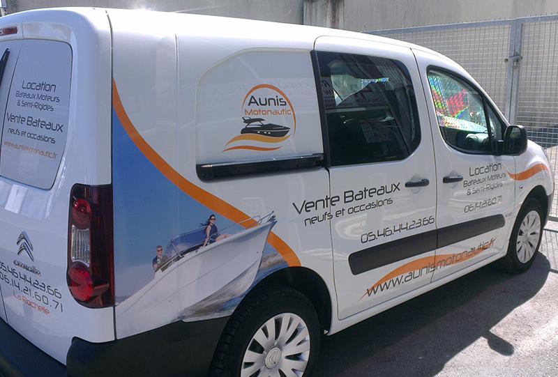 Signalétique adhésif véhicule Angers