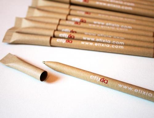 Stylos publicitaires personnalisés 100% carton recyclé