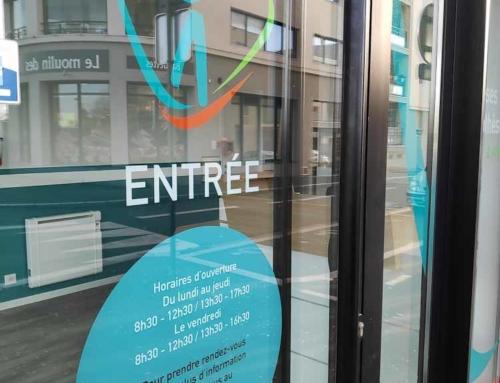 Pose d'adhésifs à Angers – Habillage vitrine local commercial